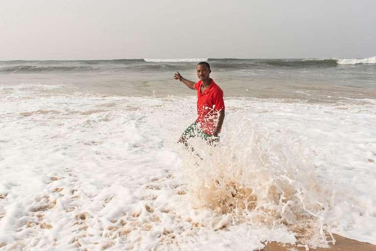 001 (El mar nos mueve)